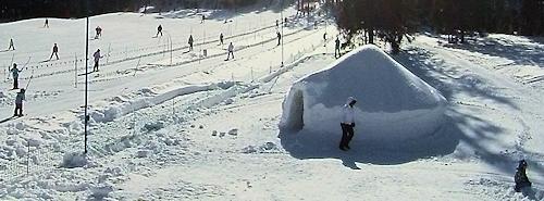 Stacja narciarska zamek z lodu