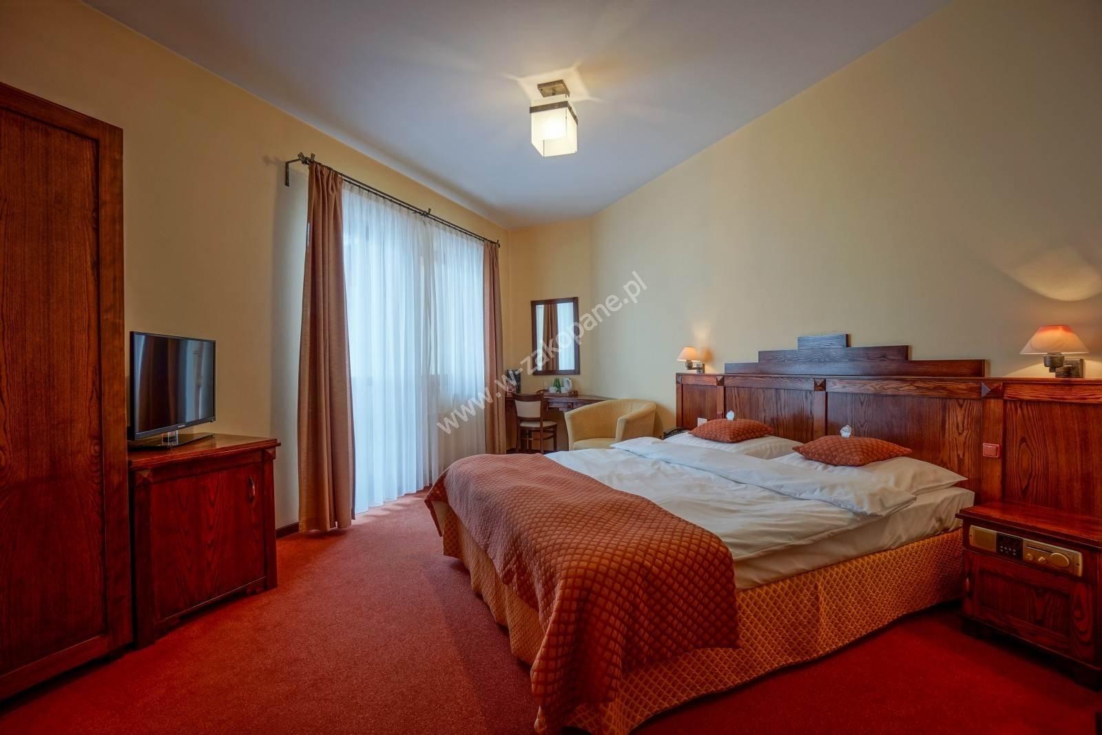 Ośrodek Usług Hotelarskich REDYK-1036