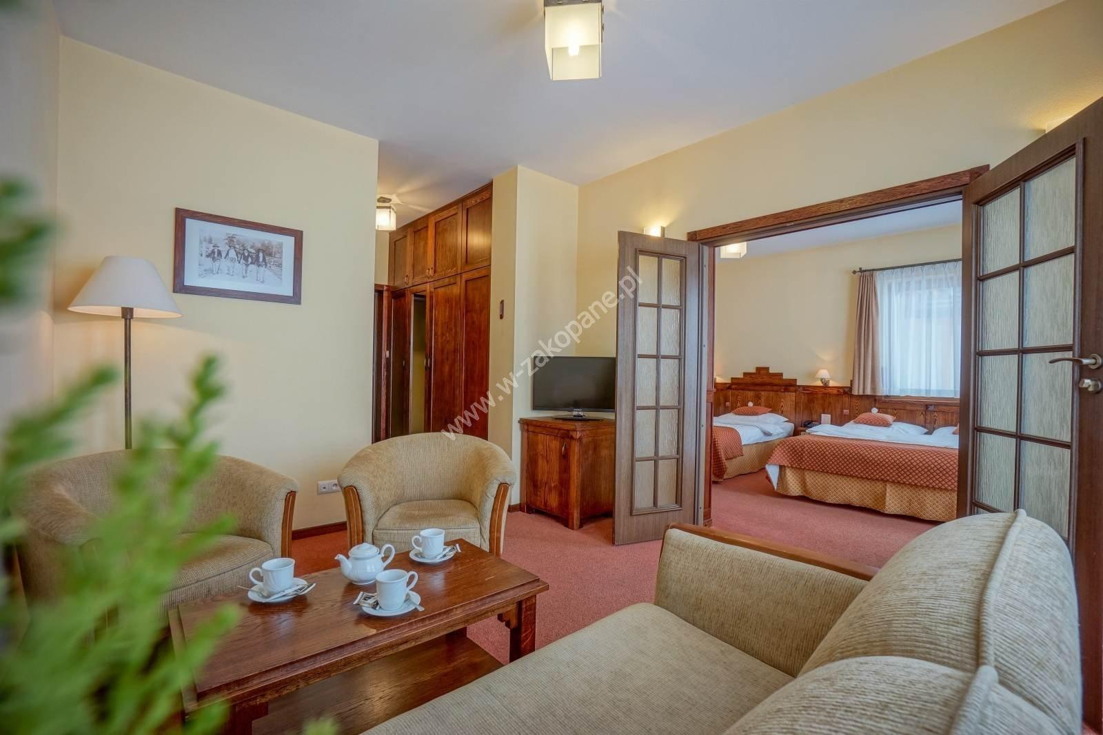 Ośrodek Usług Hotelarskich REDYK-1038