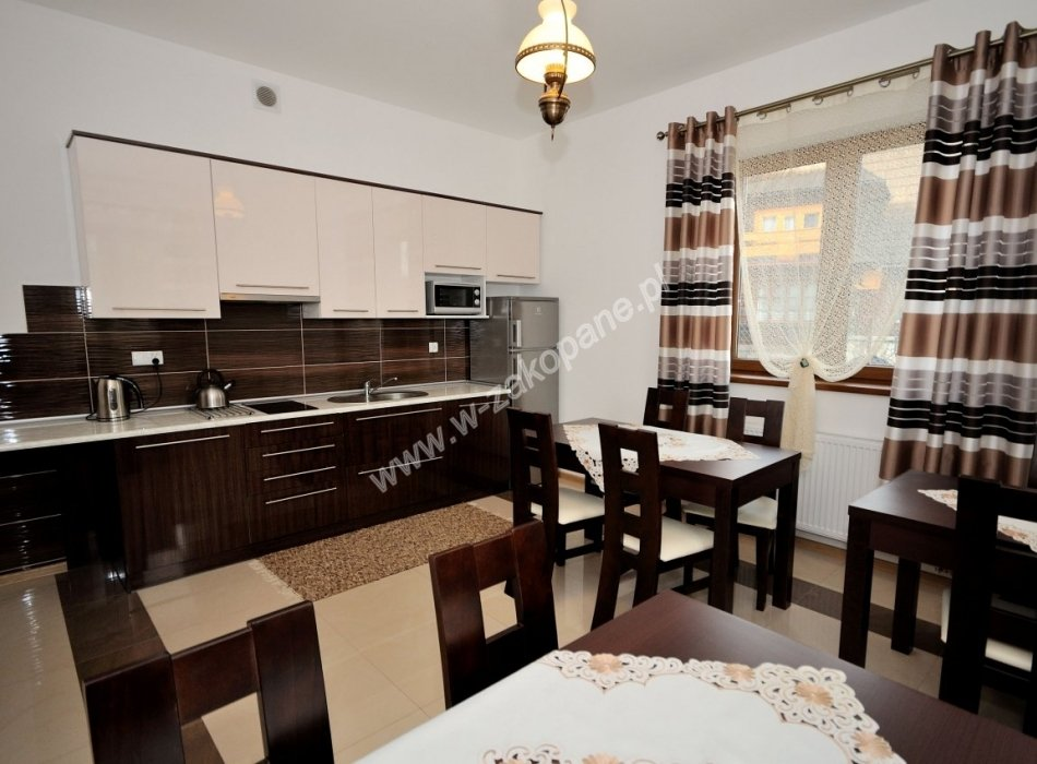 Domek / apartamenty-1382