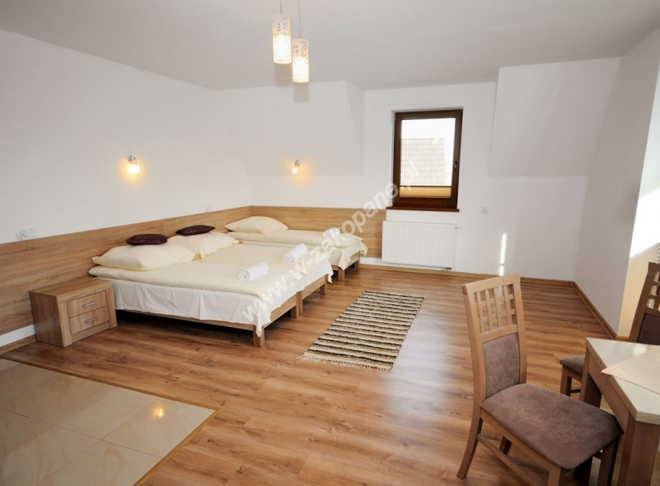 Domek / apartamenty-1385