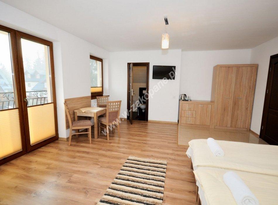 Domek / apartamenty-1386