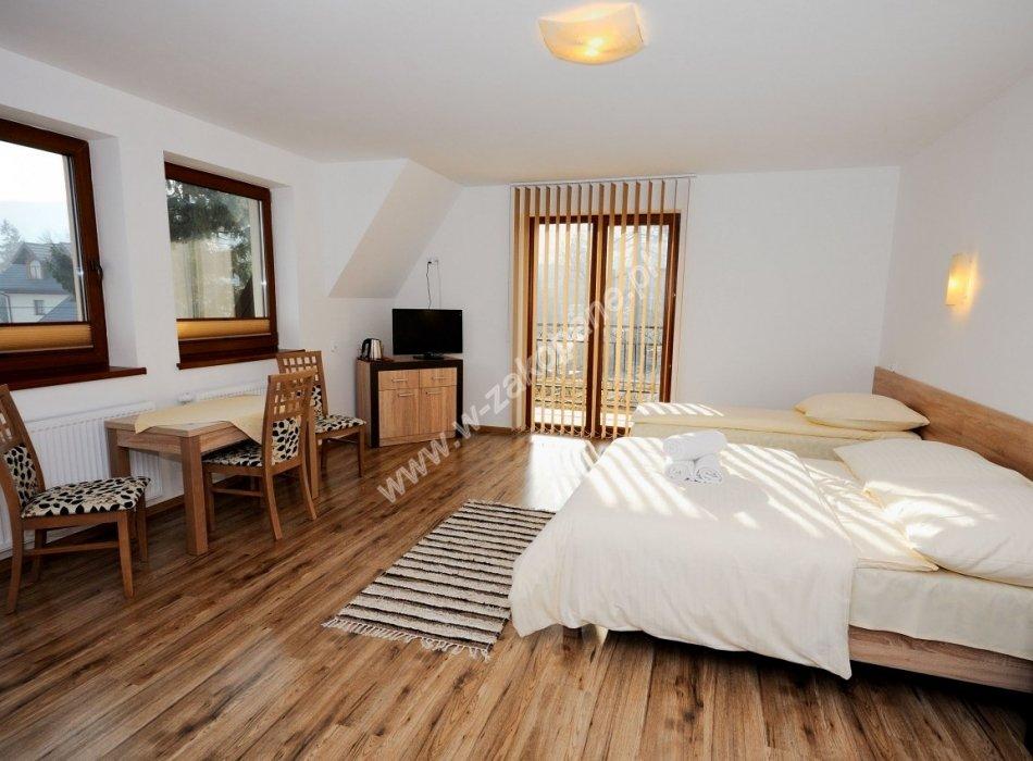 Domek / apartamenty-1389